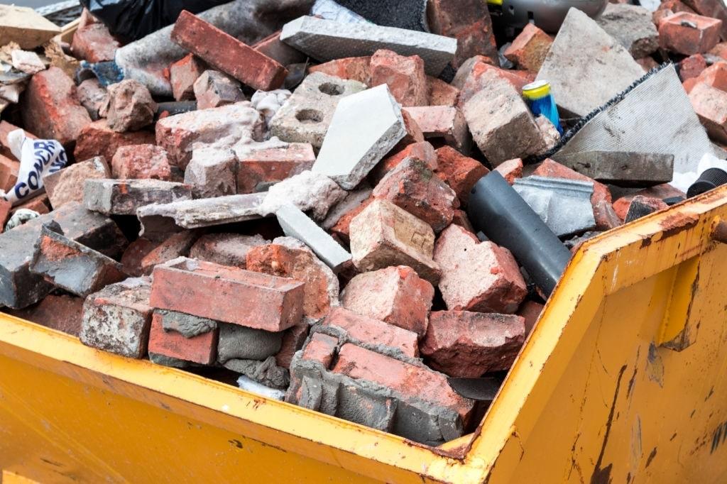 Куда утилизировать строительный мусор после ремонта квартиры